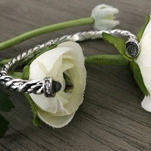🎀 Avon Cuff Bracelet